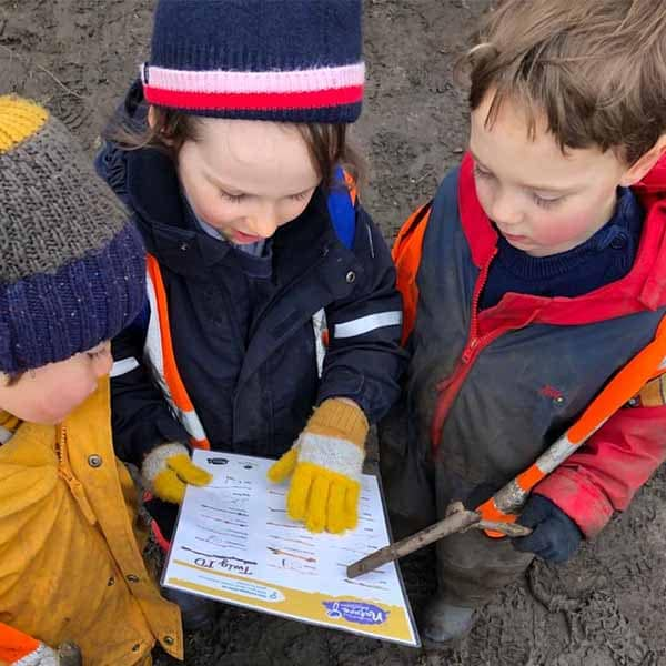 2)Curious learning and creativity EYFS at WIld About Play